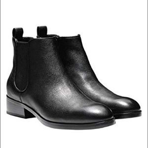 Cole haan black leather landsman Chelsea booties 9